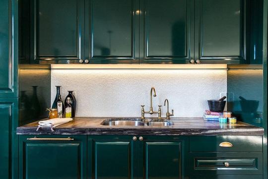 Những gam xanh tối màu tuyệt đẹp cho căn bếp hiện đại - Ảnh 12.
