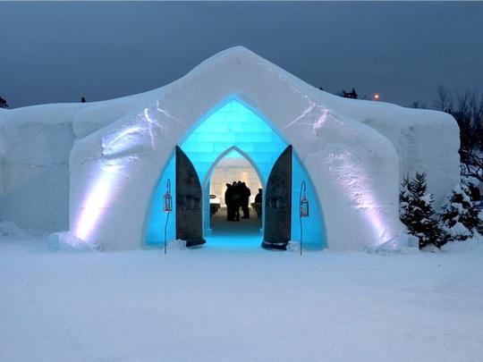Bên trong khách sạn được xây hoàn toàn bằng băng tuyết - Ảnh 13.
