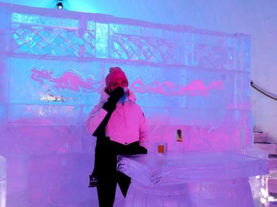 Bên trong khách sạn được xây hoàn toàn bằng băng tuyết - Ảnh 15.