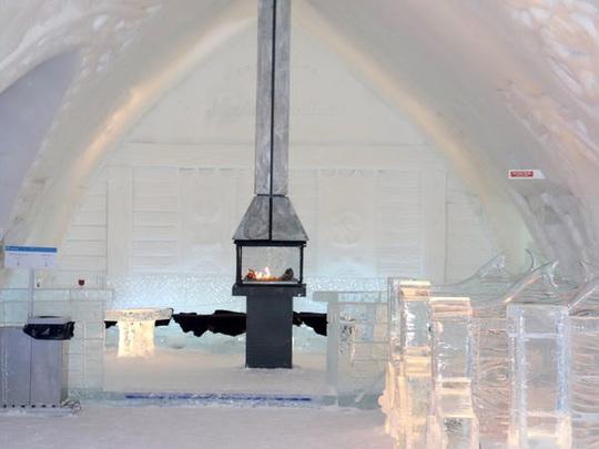 Bên trong khách sạn được xây hoàn toàn bằng băng tuyết - Ảnh 19.