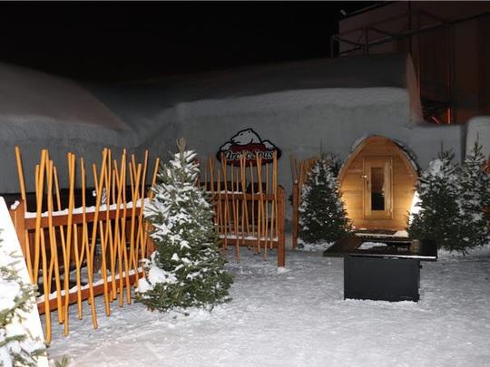 Bên trong khách sạn được xây hoàn toàn bằng băng tuyết - Ảnh 21.