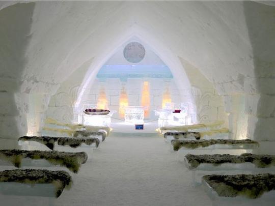 Bên trong khách sạn được xây hoàn toàn bằng băng tuyết - Ảnh 22.