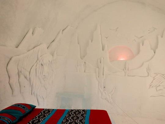 Bên trong khách sạn được xây hoàn toàn bằng băng tuyết - Ảnh 4.