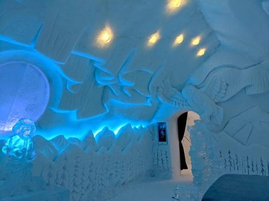 Bên trong khách sạn được xây hoàn toàn bằng băng tuyết - Ảnh 5.