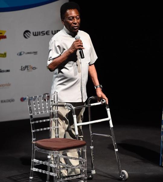 Vua bóng đá Pele bị trầm cảm nặng vì bệnh tật - Ảnh 1.
