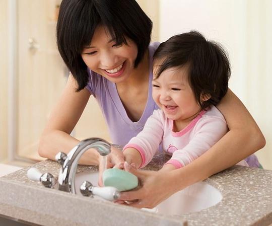 7 lưu ý quan trọng giúp phòng bệnh cho trẻ trong mùa dịch nCoV - Ảnh 2.