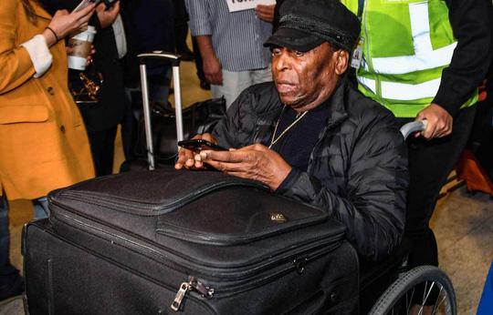 Vua bóng đá Pele bị trầm cảm nặng vì bệnh tật - Ảnh 2.