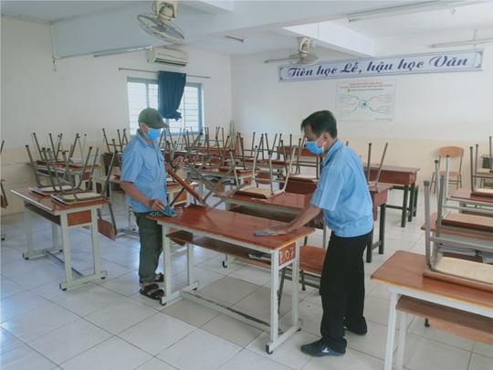 UBND TP HCM ra văn bản khẩn đề nghị báo cáo việc chuẩn bị đón học sinh trở lại trường - Ảnh 1.