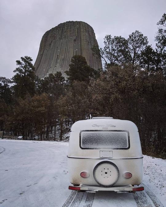 Tháp Quỷ 50 triệu năm tuổi - danh thắng hàng đầu nước Mỹ - Ảnh 2.