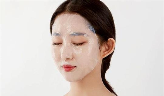 Những sai lầm thường gặp khi đắp mặt nạ chị em nên biết - Ảnh 2.