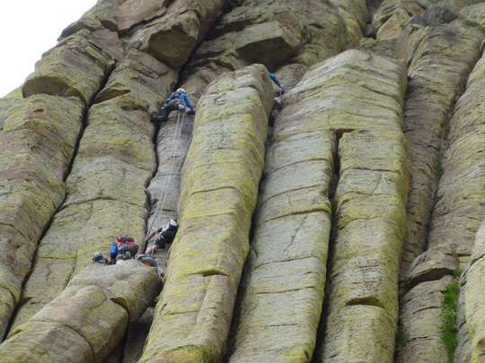Tháp Quỷ 50 triệu năm tuổi - danh thắng hàng đầu nước Mỹ - Ảnh 4.