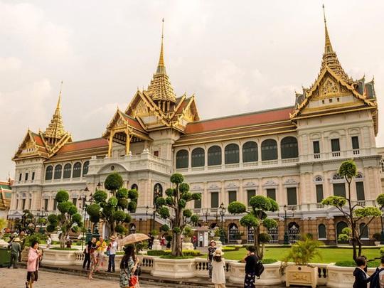 Những cung điện hoàng gia xa hoa trên thế giới - Ảnh 13.