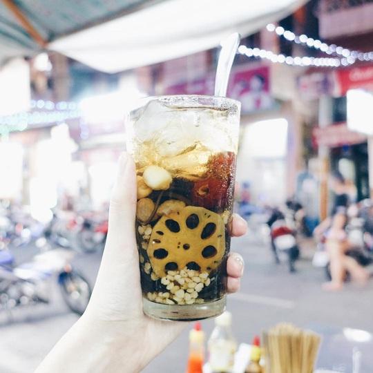 Những khu ẩm thực nổi tiếng hút khách ở Đà Nẵng - Ảnh 14.