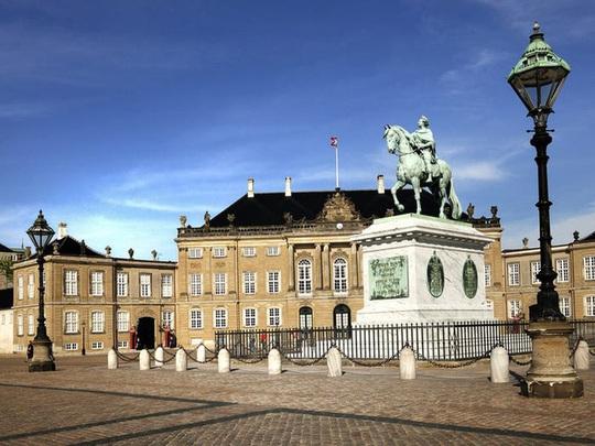 Những cung điện hoàng gia xa hoa trên thế giới - Ảnh 9.