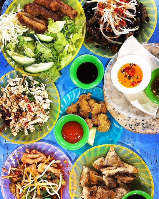 Những khu ẩm thực nổi tiếng hút khách ở Đà Nẵng - Ảnh 10.