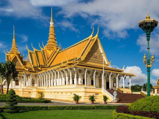 Những cung điện hoàng gia xa hoa trên thế giới - Ảnh 10.