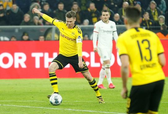 Song sát lập công, Dortmund dội mưa bàn thắng Frankfurt - Ảnh 3.