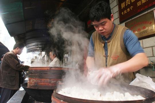 Đặc sản mì trứ danh từng gây nghiện ở Vũ Hán - Ảnh 2.