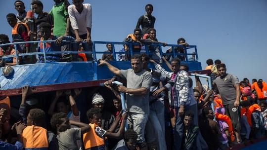 EU triển khai sứ mệnh quân sự mới ngoài khơi Libya - Ảnh 1.
