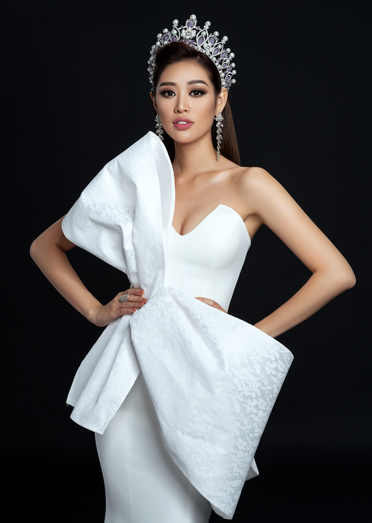 Hoa hậu Hoàn vũ Khánh Vân công bố bộ ảnh beauty - Ảnh 5.
