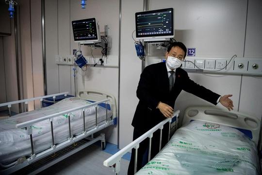 Covid-19: Đẩy mạnh liệu pháp huyết tương, Trung Quốc kêu gọi người khỏi bệnh hiến máu - Ảnh 1.