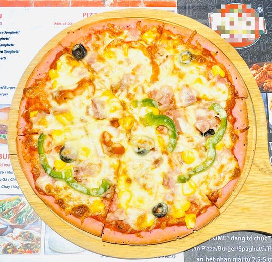 Độc lạ pizza làm từ thanh long ruột đỏ, giá chỉ 55.000 đồng/chiếc - Ảnh 1.