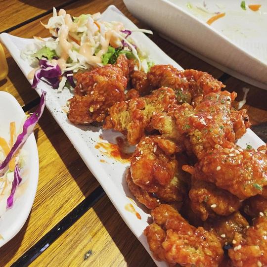 Những khu ẩm thực nước ngoài hút khách tại ngay TP HCM - Ảnh 13.