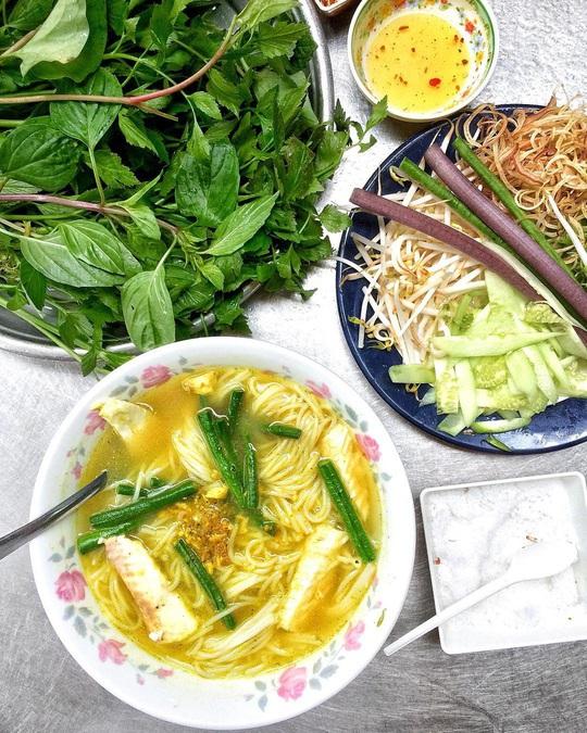 Những khu ẩm thực nước ngoài hút khách tại ngay TP HCM - Ảnh 15.