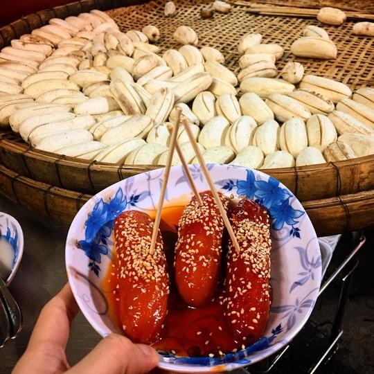 Những khu ẩm thực nước ngoài hút khách tại ngay TP HCM - Ảnh 17.