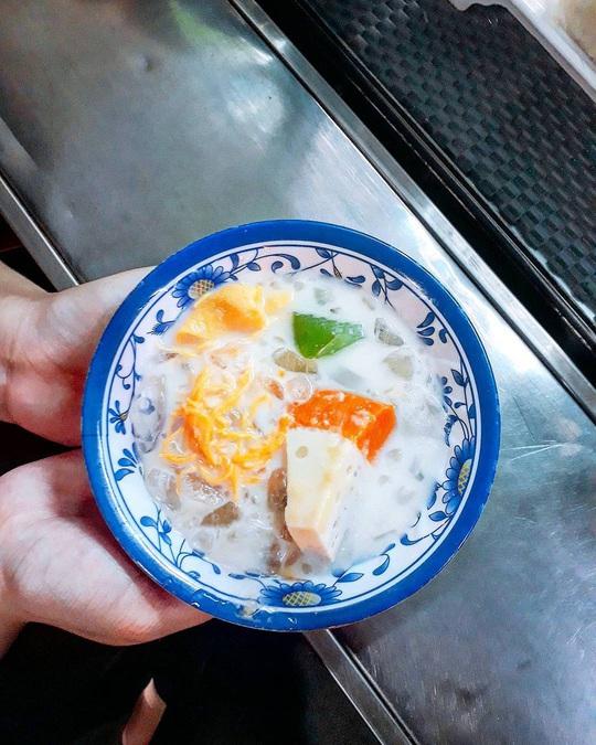 Những khu ẩm thực nước ngoài hút khách tại ngay TP HCM - Ảnh 18.