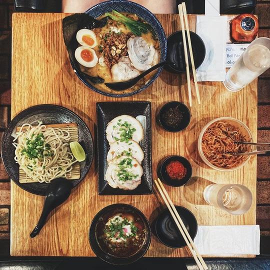 Những khu ẩm thực nước ngoài hút khách tại ngay TP HCM - Ảnh 4.