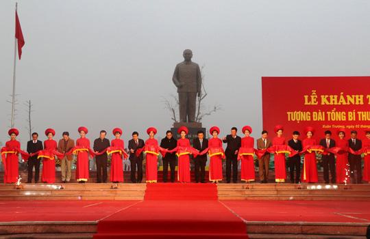 Khánh thành tượng đài Tổng Bí thư Trường Chinh - Ảnh 1.