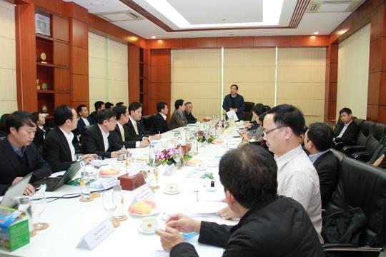 Bộ trưởng Nguyễn Xuân Cường đến thăm và làm việc cùng C.P. Việt Nam - Ảnh 2.