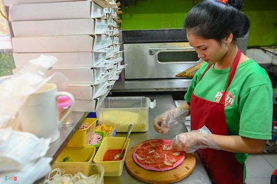 Món pizza thanh long độc lạ xuất hiện trong dịch virus corona - Ảnh 8.
