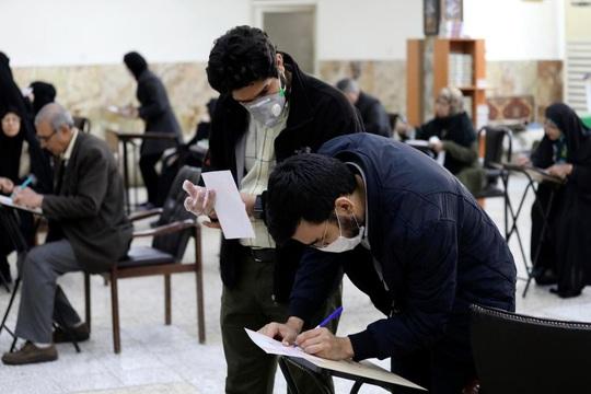 Covid-19: Iran thêm 2 trường hợp tử vong, số ca chết toàn cầu tăng - Ảnh 1.