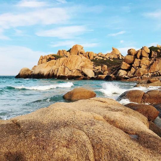 Né dịch tại hòn đảo hoang sơ, tuyệt đẹp ở Bình Thuận - Ảnh 4.