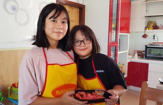 2 nữ sinh Phú Quốc đam mê làm bánh mì thanh long ruột đỏ - Ảnh 9.
