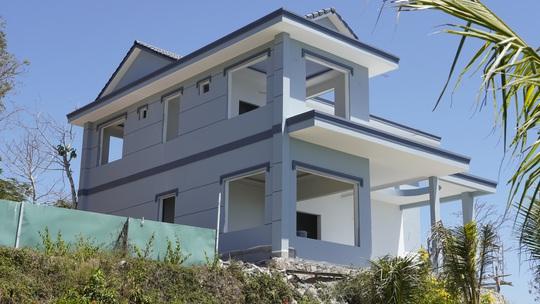 Cận cảnh căn biệt thự xây dựng không phép trên Núi Lớn - Ảnh 4.