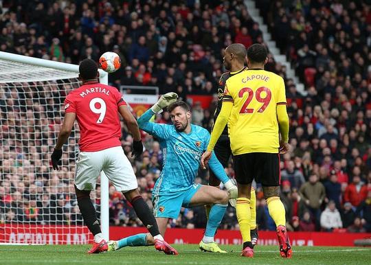 Tân binh Fernandes rực sáng, Man United bay vào Top 5 - Ảnh 5.