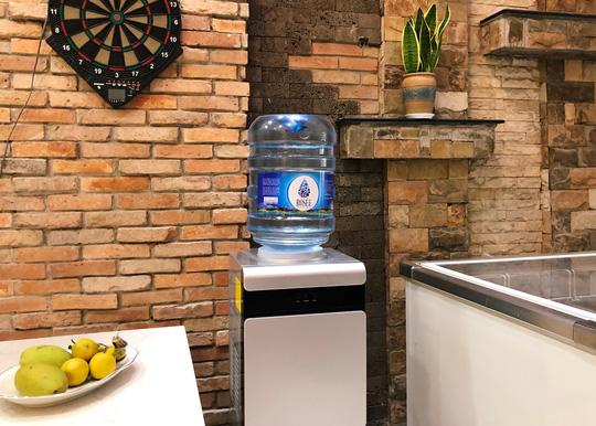 Nước đá Hồng Phúc ra mắt nước tinh khiết thương hiệu Rosée Water - Ảnh 1.