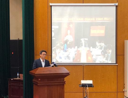 Phó Thủ tướng cùng đại biểu ở 700 điểm cầu tri ân nhân viên y tế nhân Ngày thầy thuốc VN - Ảnh 1.