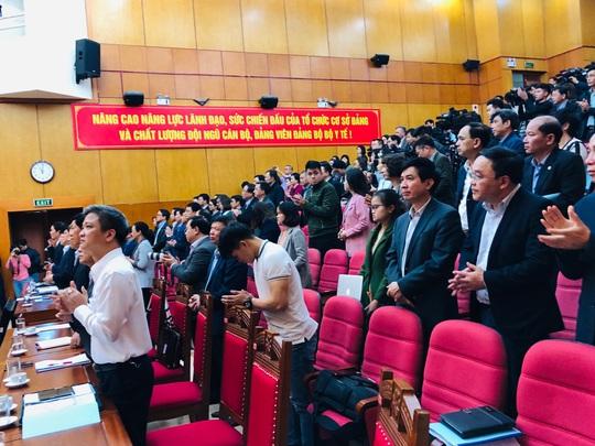 Phó Thủ tướng cùng đại biểu ở 700 điểm cầu tri ân nhân viên y tế nhân Ngày thầy thuốc VN - Ảnh 2.