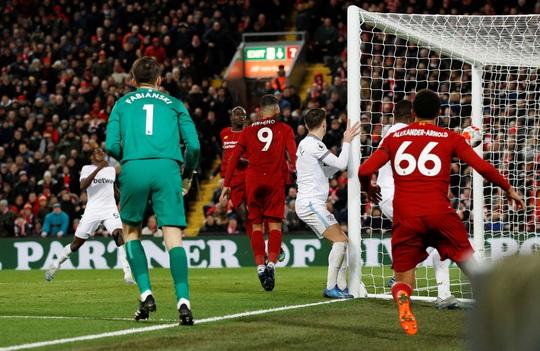 Ngược dòng ngoạn mục ở Anfield, Liverpool nối dài kỷ lục - Ảnh 8.