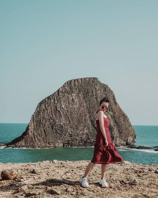 5 hòn đảo đẹp, hoang sơ hút khách du lịch tại Phú Yên - Ảnh 1.