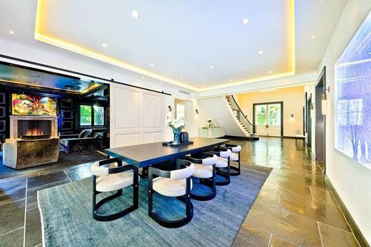 Biệt thự xa xỉ 7 triệu USD mà Hoàng tử Harry và vợ nhắm mua - Ảnh 6.