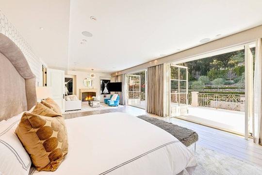 Biệt thự xa xỉ 7 triệu USD mà Hoàng tử Harry và vợ nhắm mua - Ảnh 7.