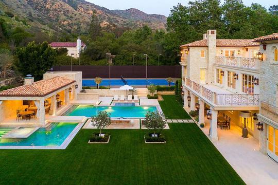 Biệt thự xa xỉ 7 triệu USD mà Hoàng tử Harry và vợ nhắm mua - Ảnh 10.