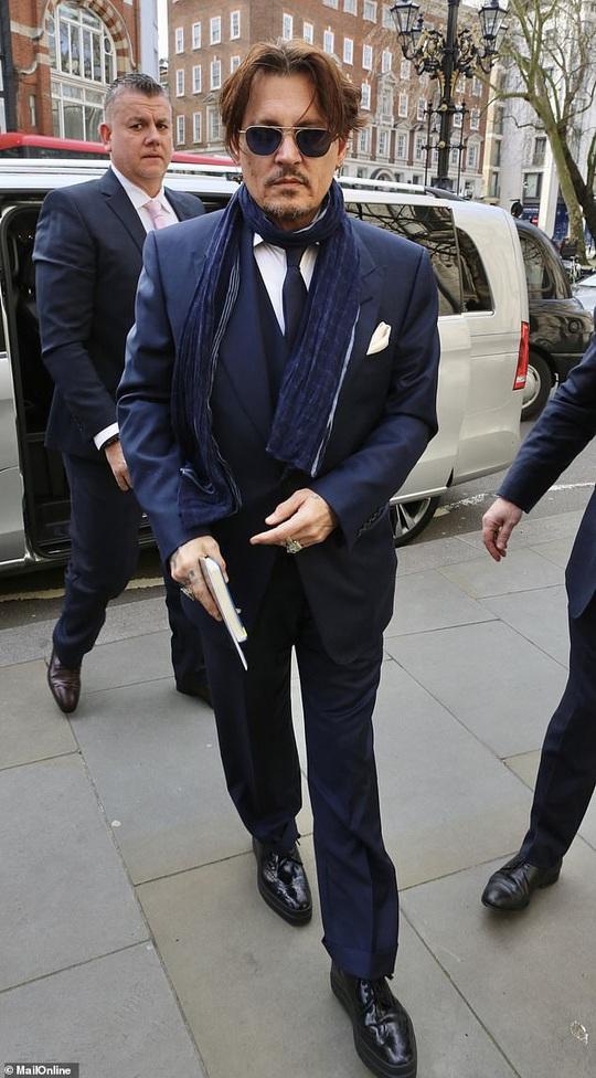 Lộ tin nhắn tài tử Johnny Depp muốn dìm chết rồi đốt xác vợ cũ - Ảnh 1.