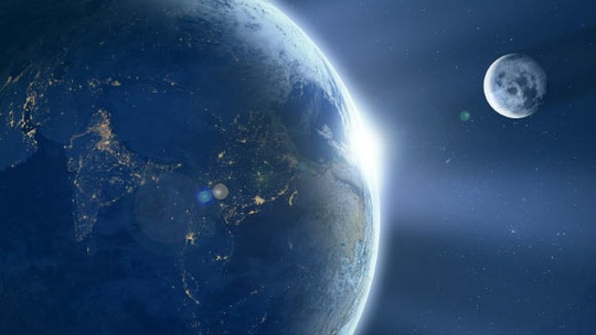 Phát hiện mặt trăng mới quay quanh trái đất, nhỏ cỡ xe hơi - Ảnh 1.