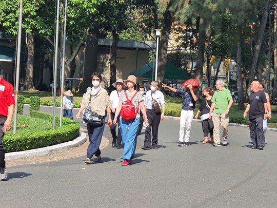 Du khách châu Âu và châu Phi đến Việt Nam vẫn tăng giữa mùa dịch Covid-19 - Ảnh 1.
